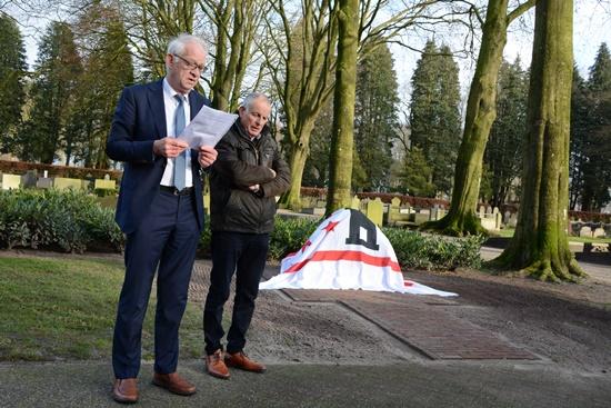 Onthulling monument 1 (Jan en Geert)