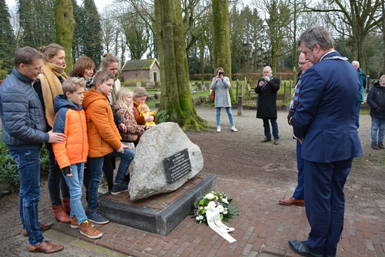Onthulling monument (Bouwmeester en Huizing)